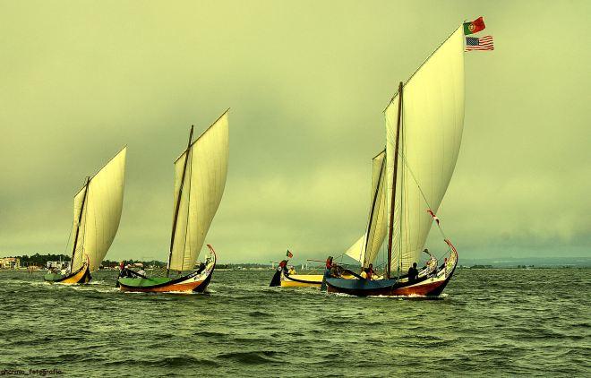 """na regata de 2010, o """"Ricardo e Sérgio"""" ainda vogava de velas panadas na ria"""