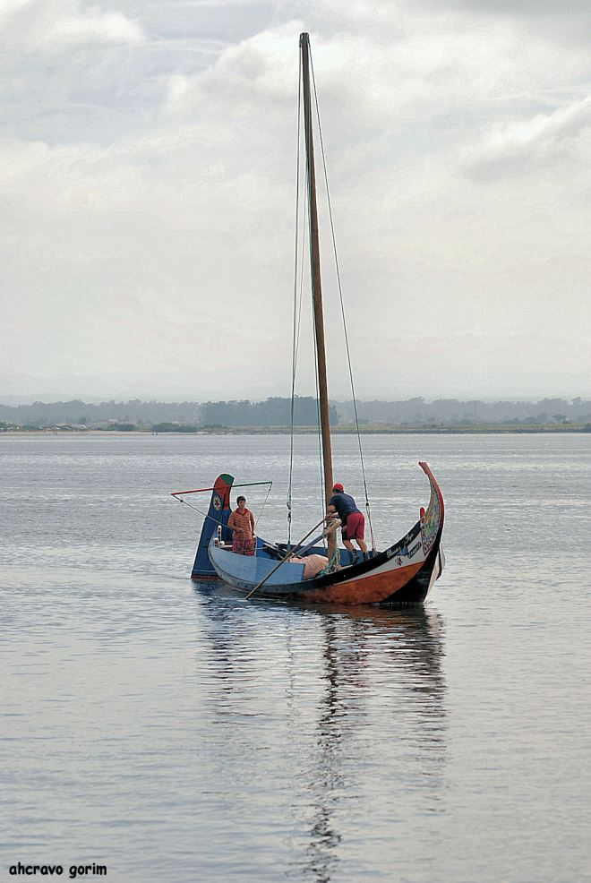 quando o homem é barco só lhe resta navegar