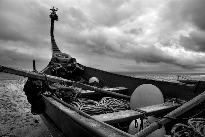 aparelhado o barco espera a partida
